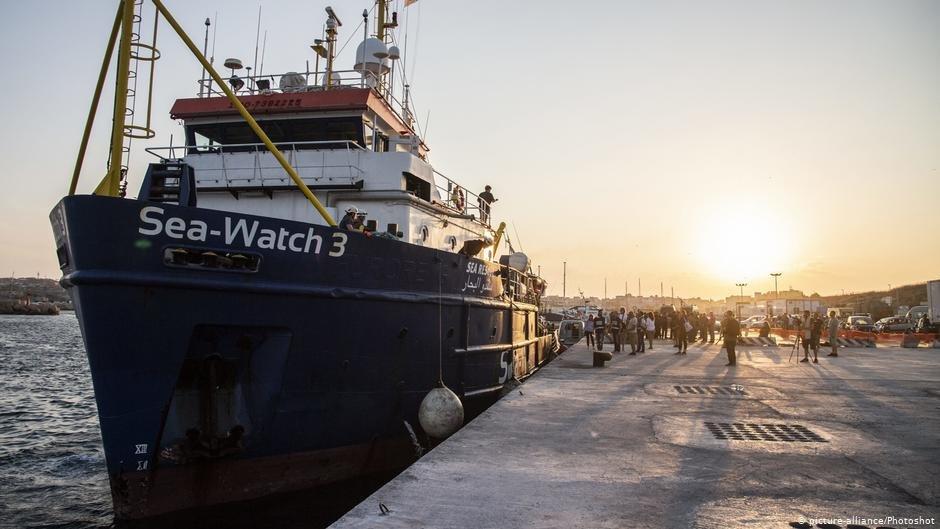 Sea-Watch 3 nel Porto di Lampedusa
